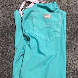 gently worn Blue Sky Scrub set. Tops XS, pants S
